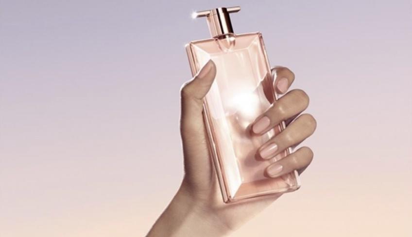 Testez gratuitement la nouvelle fragrance Idole l'Intense de Lancôme !