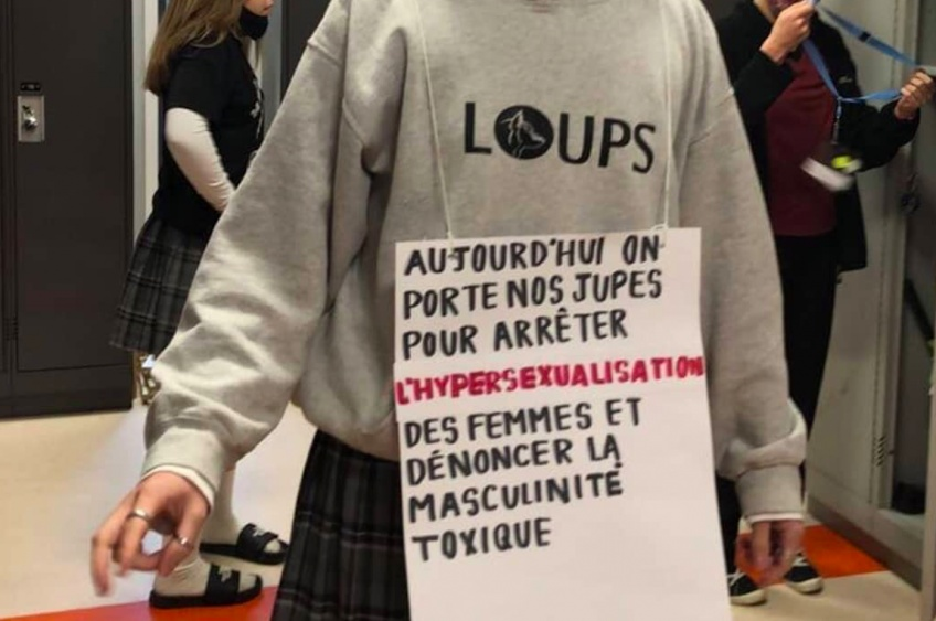 Des lycéens québécois se rendent au lycée en jupe pour dénoncer le sexisme !