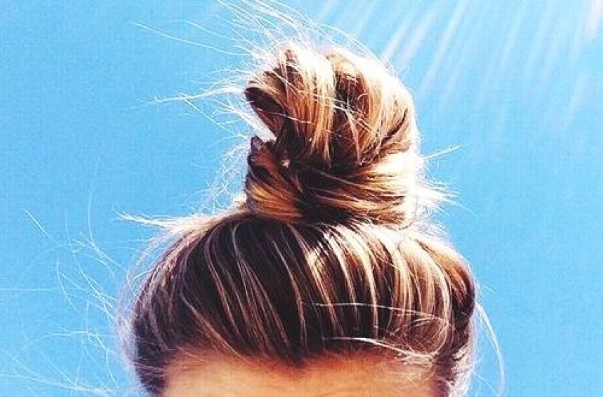 Comment attacher ses cheveux sans les endommager ?