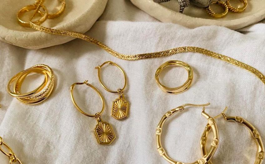 Les marques de bijoux abordables et tendance à connaître que vous allez adorer !
