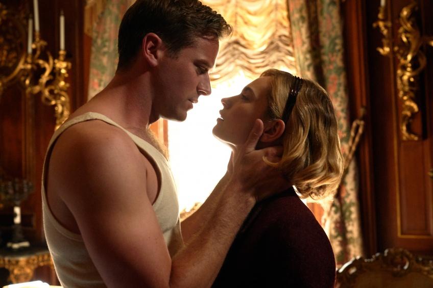 Pause Popcorn : 5 raisons de regarder le thriller romantique 'Rebecca' sur Netflix !