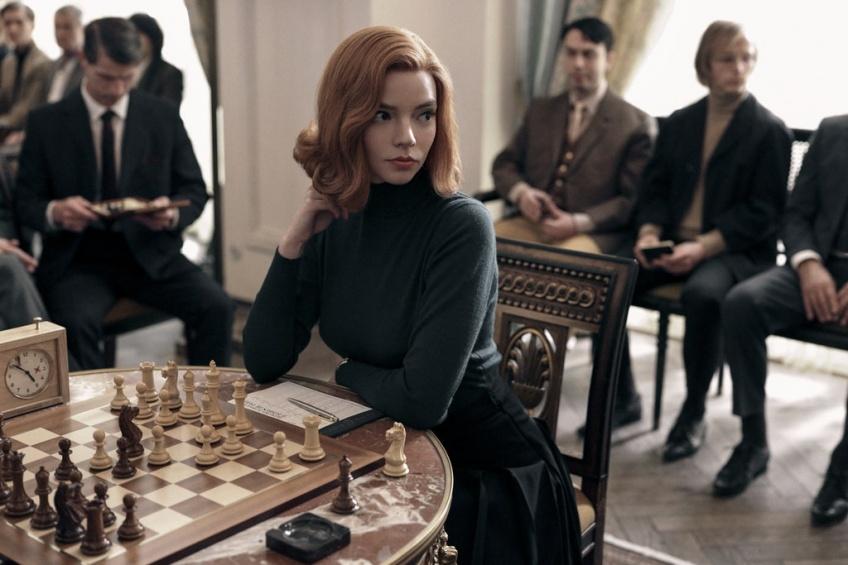 Pause Popcorn : 5 raisons de regarder la mini-série d'échecs 'Le jeu de la dame' sur Netflix