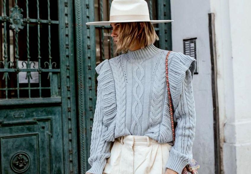 Les pulls colorés et originaux à porter pour passer un hiver au chaud