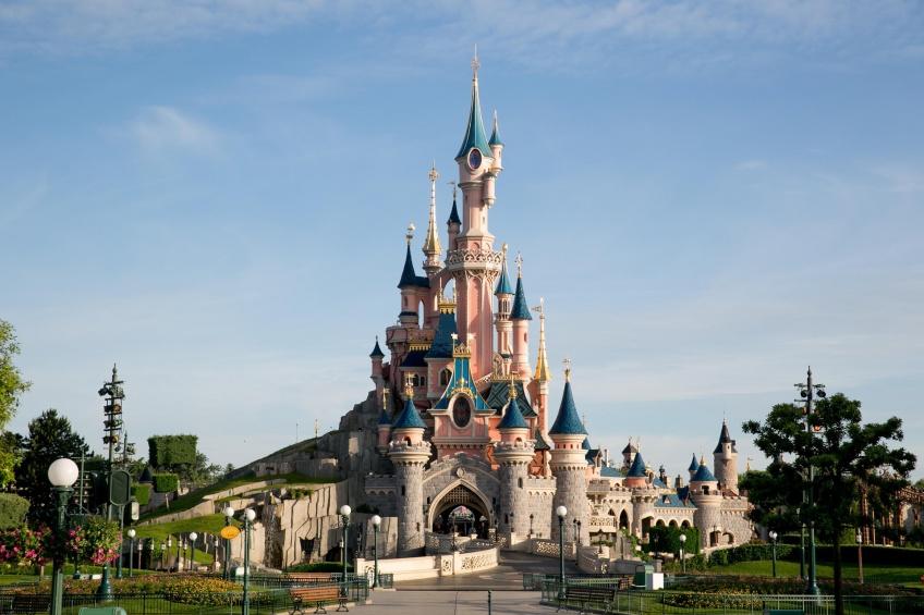 Disneyland Paris retarde sa réouverture !