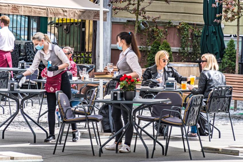 Covid-19 : vers une réouverture anticipée des restaurants ?