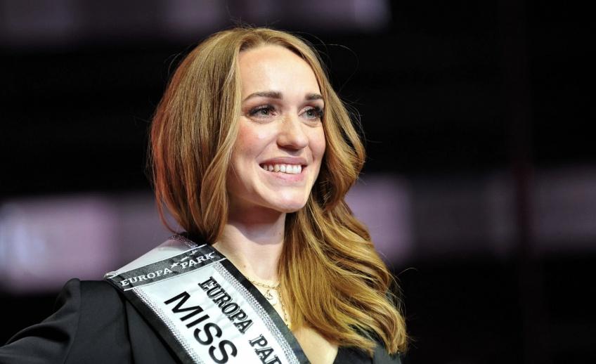 À 33 ans, cette maman a été élue Miss Allemagne !