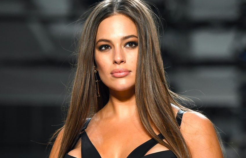 Ashley Graham partage une photo inédite de ses cheveux post-partum !