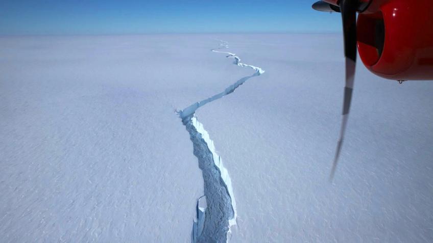 Insolite : un iceberg de 12 fois plus grand que Paris s'est détaché de l'Antarctique