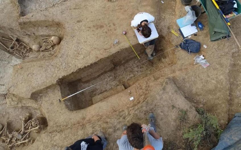 Insolite : 1200 tombes du Moyen Âge ont été découvertes près de l'aéroport de Roissy