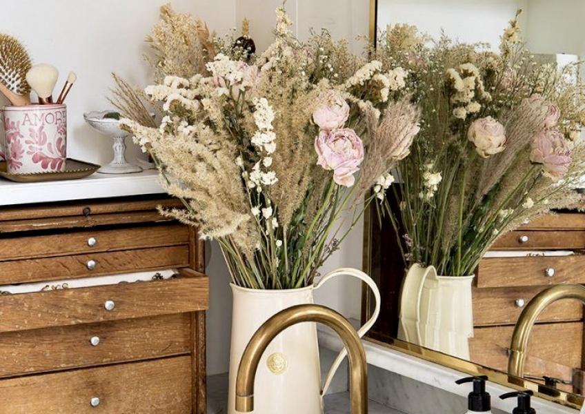 Déco : 10 idées pour toujours avoir des fleurs dans son appartement !