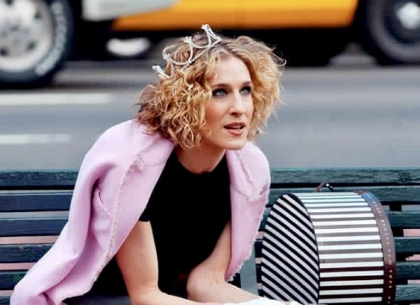 Style Icon : tous les looks de Carrie Bradshaw qui continuent de nous fasciner !