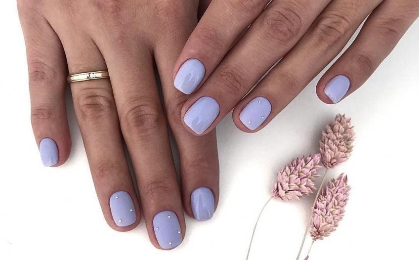 10 couleurs de vernis de saison pour les ongles courts !