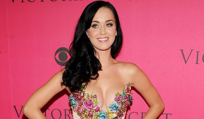 Katy Perry a décidé d'arrêter de se raser les jambes!