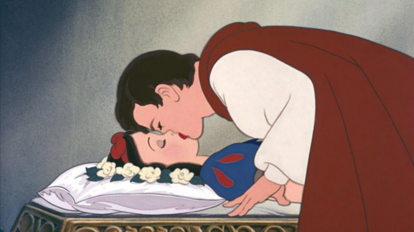 Blanche-Neige : la scène du baiser du célèbre Disney, jugé 'non consenti', fait polémique !