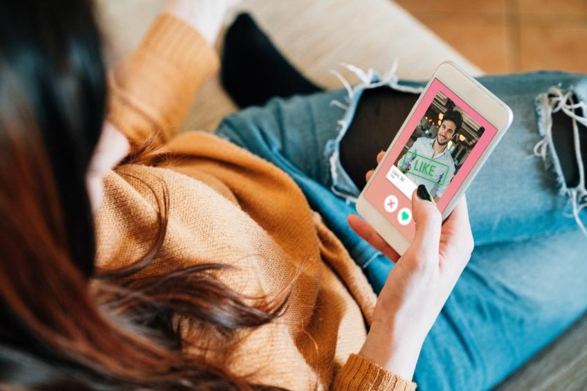 Une conversation entre deux tourtereaux oblige les administrateurs de Tinder à intervenir