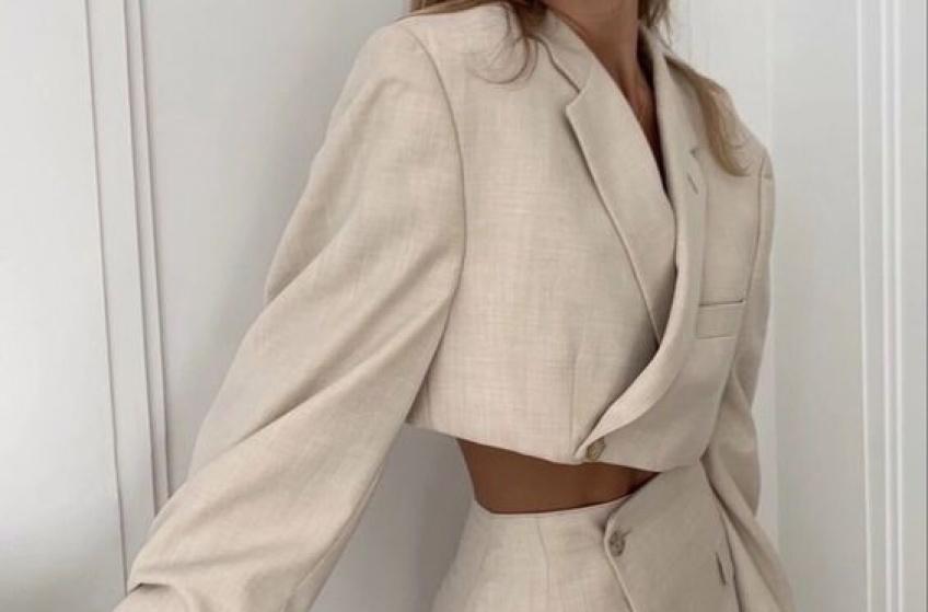 Tendance : le blazer court pour être au garde-à-vous en attendant l'été !