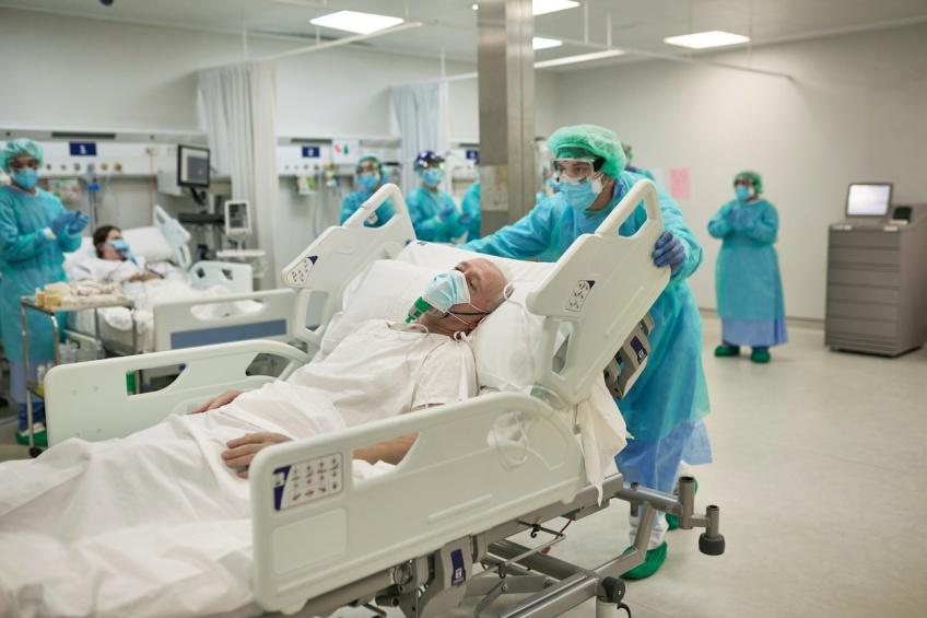 Covid-19 : Le nombre de patients en réanimation passe sous la barre des 5000 cas en France
