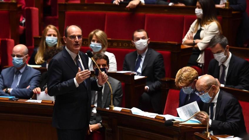 Covid-19 : le pass sanitaire finalement adopté par l'Assemblée nationale