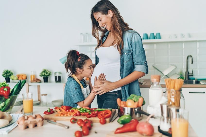 Les aliments à éviter pendant la grossesse selon les pays : quelles différences ?