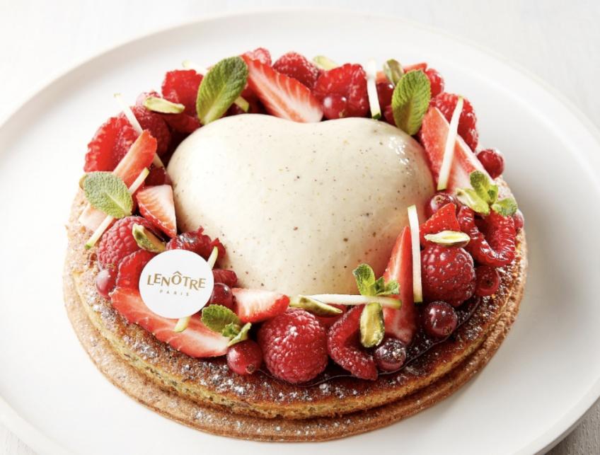 Food : le gâteau parfait pour régaler votre maman le jour de la Fête des mères signé Lenôtre !