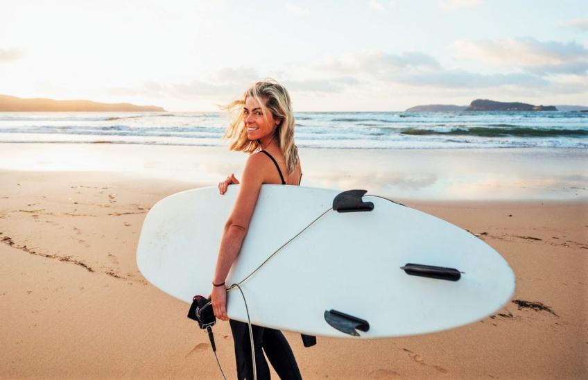 Découvrez le surf et tous les secrets de ce sport avec une championne du monde !