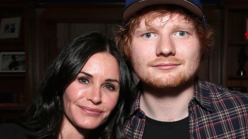 Courteney Cox : elle reproduit la danse mythique de Friends avec Ed Sheeran !