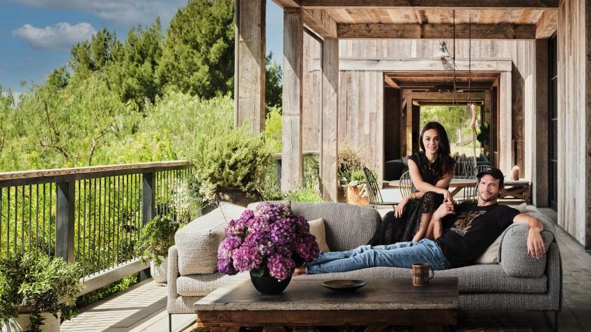 À la maison avec Mila Kunis et Ashton Kutcher et leur grange stylée mais responsable !
