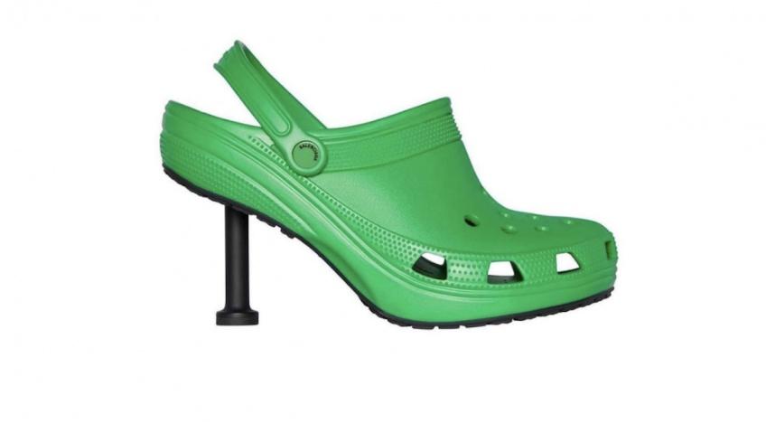 Balenciaga vient de dévoiler sa nouvelle paire de Crocs à talon qui fait beaucoup réagir !