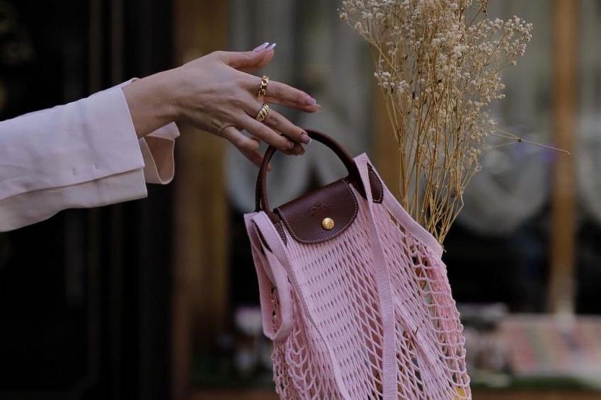 Spotted : Ce sac Longchamp est dans les mailles du filet de toutes les modeuses !