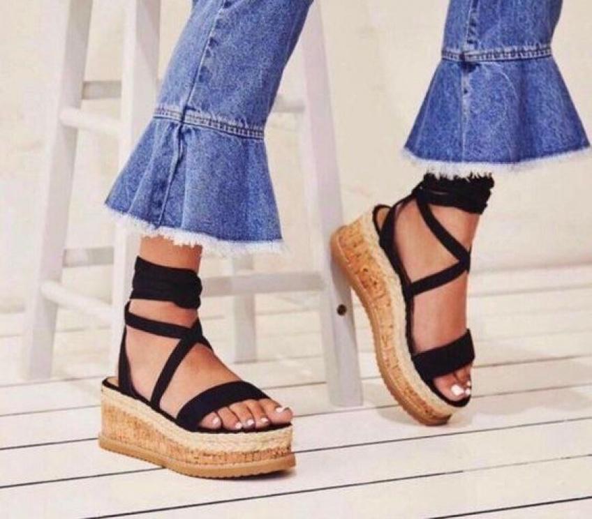 #Shoesday : les sandales à plateforme, la tendance qu'on va voir partout ce printemps !