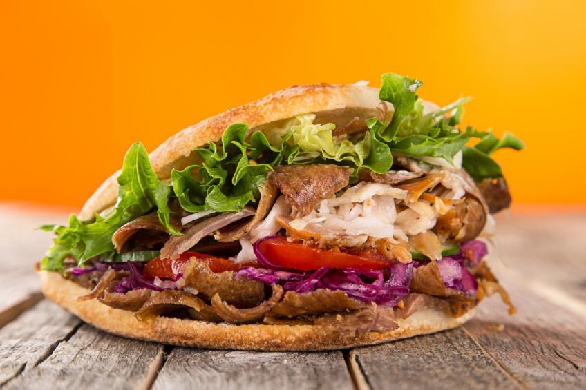 Food : McDonald's lance le Mac Kebab et le Mac Falafel !