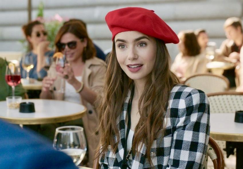 #GetTheLook : tous les looks les plus élégants d'Emily in Paris qui ont fait sensation !