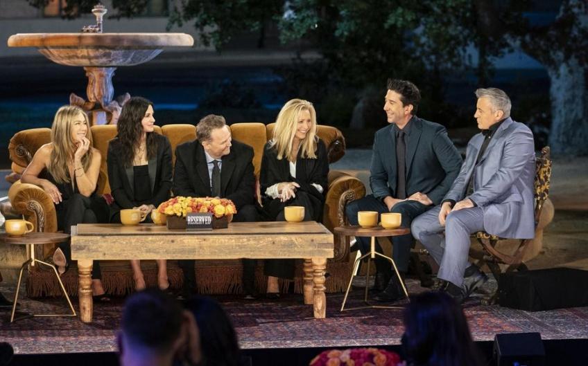 Friends : Des photos inédites des coulisses de l'épisode réunion partagées par David Schwimmer !