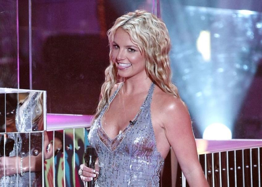 Photos déformées de son corps : Britney Spears s'énerve contre les paparazzis !