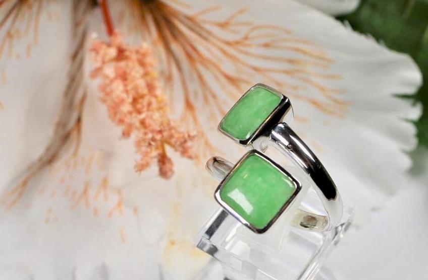 Dans le Business de : JADIEN, la marque de bijoux élégante qui modernise la pierre de Jade !