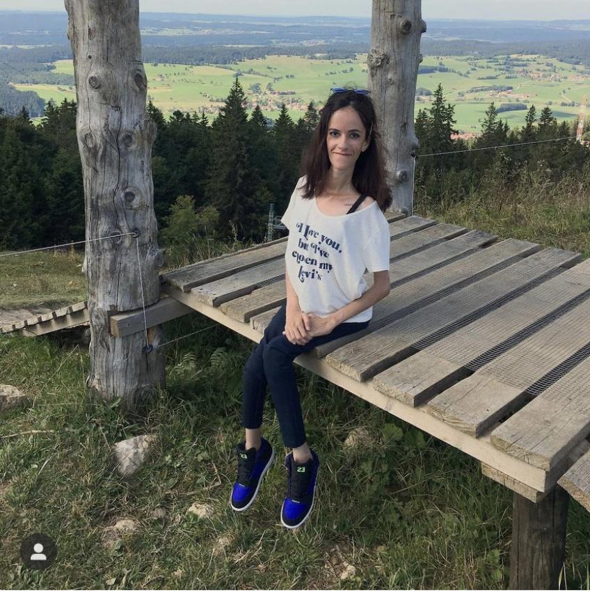 BODY GLORY - Samira, atteinte d'une myopathie depuis sa naissance