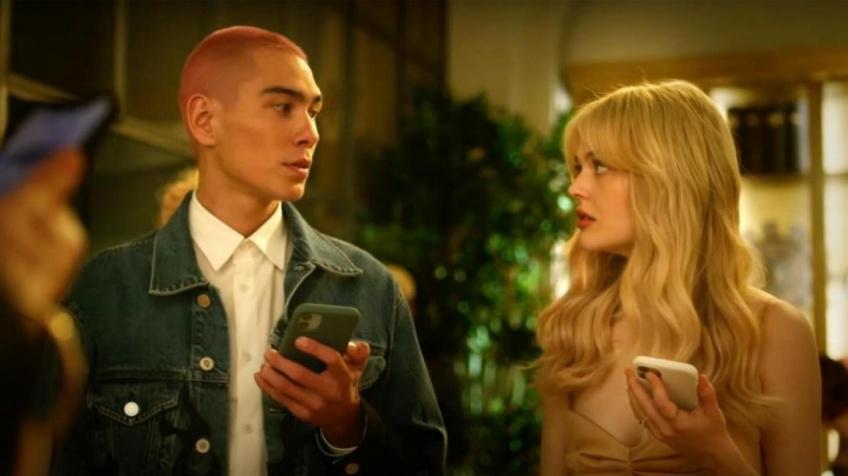 L'identité de Gossip Girl révélée dès le premier épisode du reboot de la série