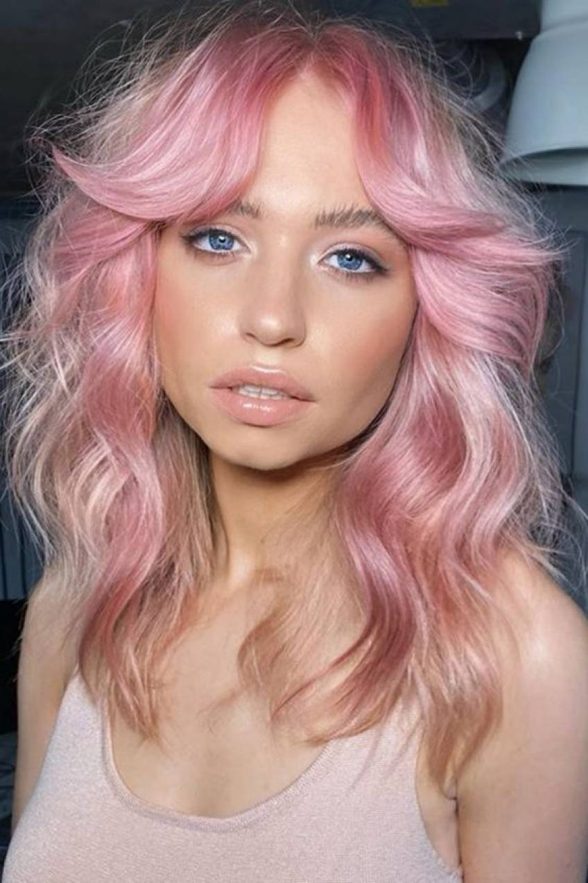 Quelle couleur de cheveux tendance adopterez-vous cet été ?