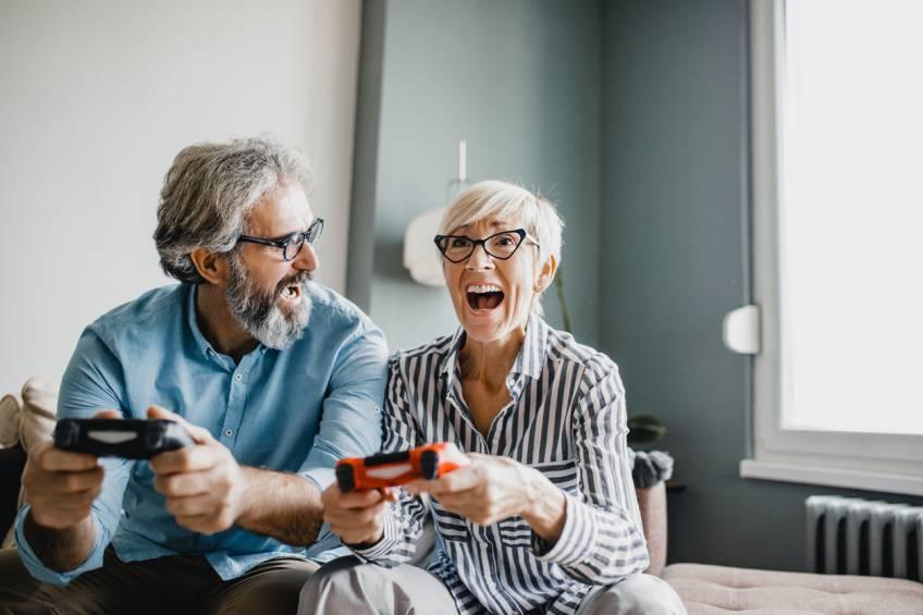 Lire, écrire et jouer aux jeux vidéos permettrait de reculer la maladie d'Alzheimer de 5 ans
