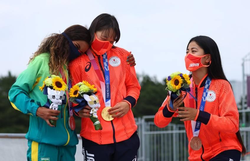 Tokyo 2020 : la première championne olympique de skate est une jeune Japonaise de 13 ans