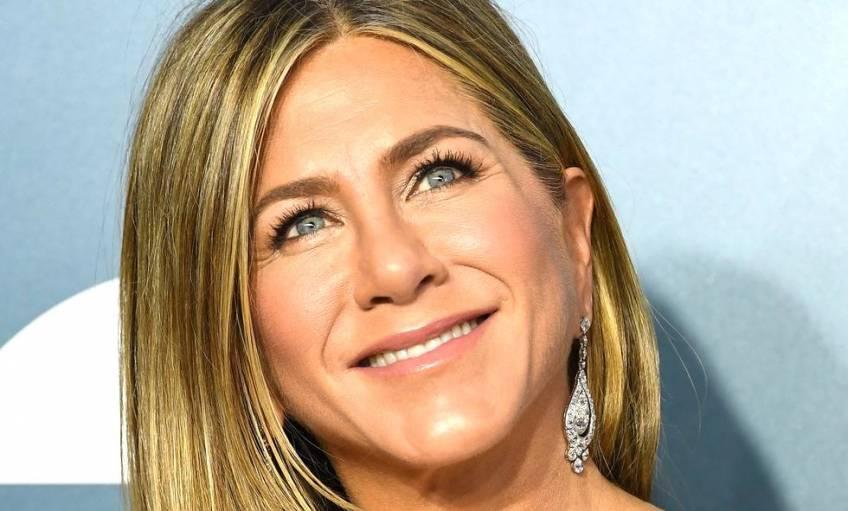À 52 ans, Jennifer Aniston s'affiche sans make-up sur Instagram !