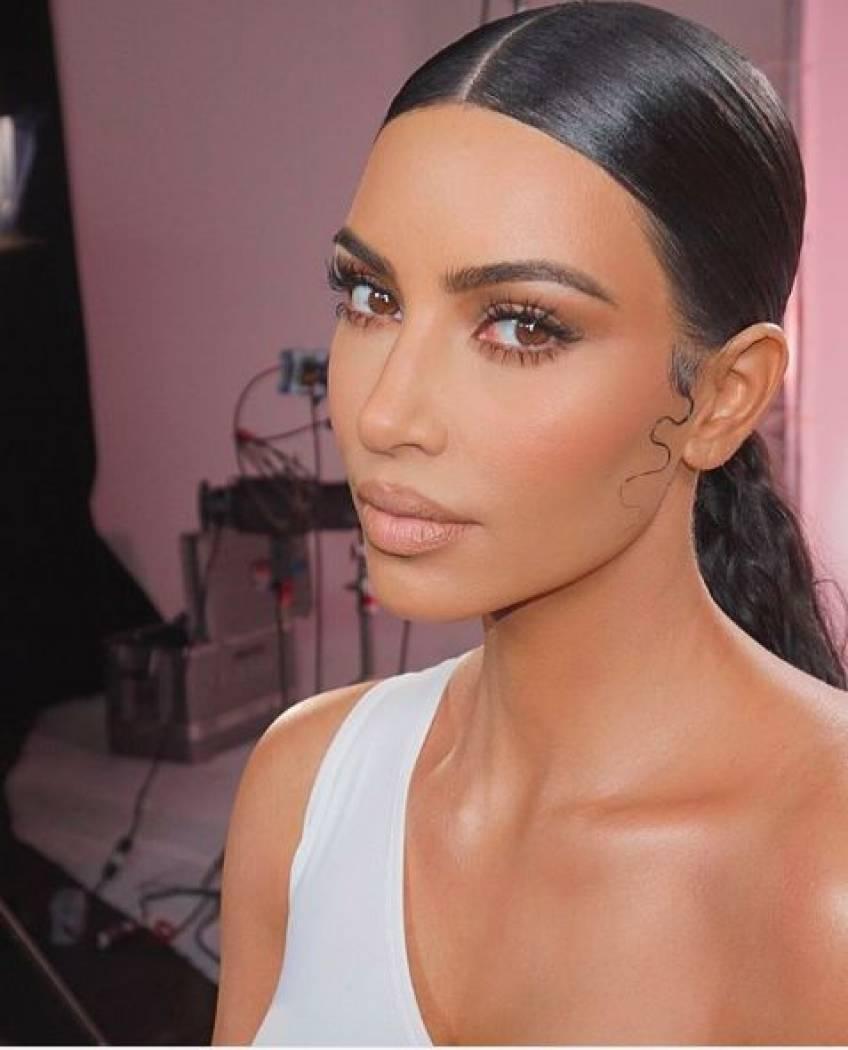Kim Kardashian dévoile des photos d'elle sans maquillage sur Instagram !