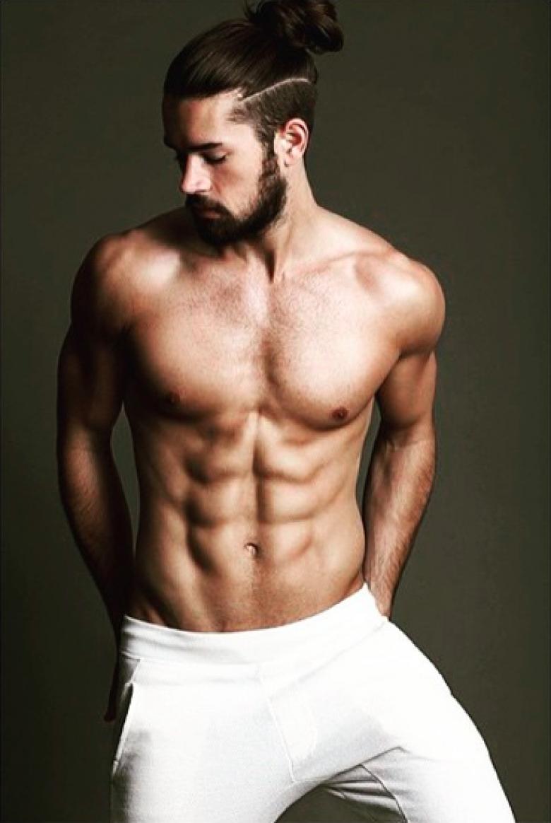 Crédit photo : instagram.com/@hotdudeswithbeardsandbuns