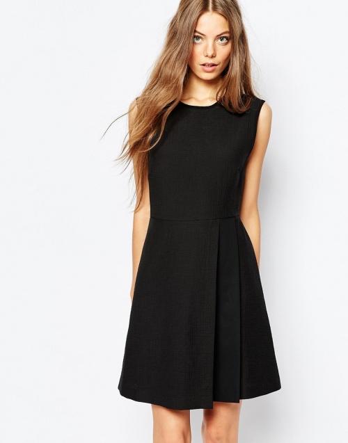 Sportmax Code - robe noire cintrée plis