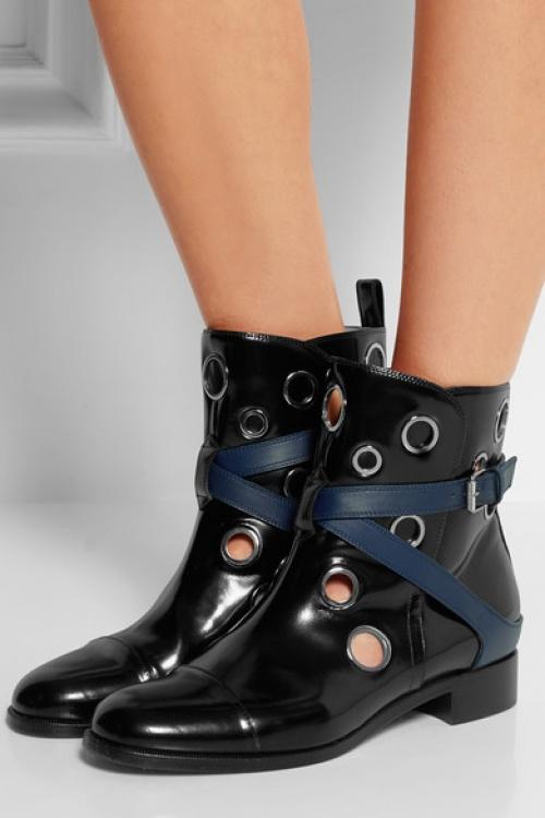 Christian Louboutin - boots vinyle noires à oeillets