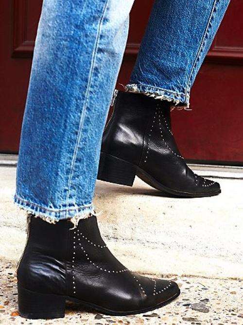 Free People- boots noires cloutées