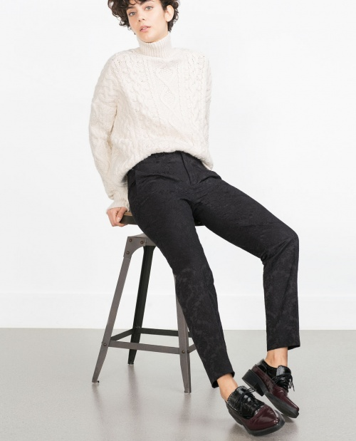 Zara pantalon noir droit coupe courte