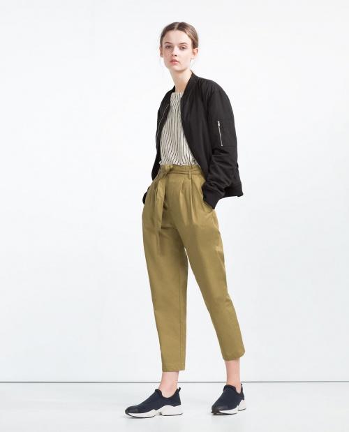 Zara pantalon carotte coupe courte