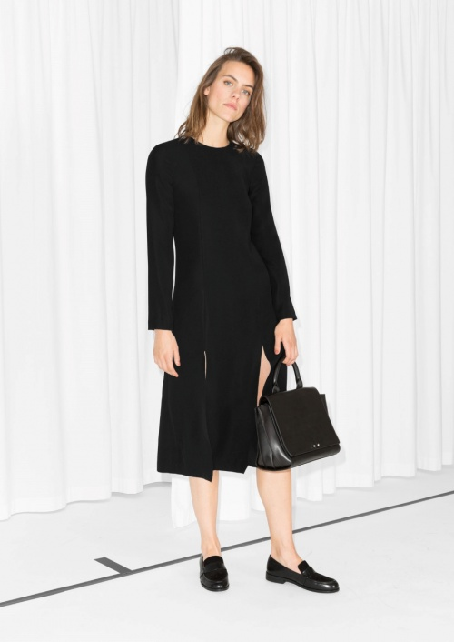 & Other Stories - robe double fentes noire manches longues