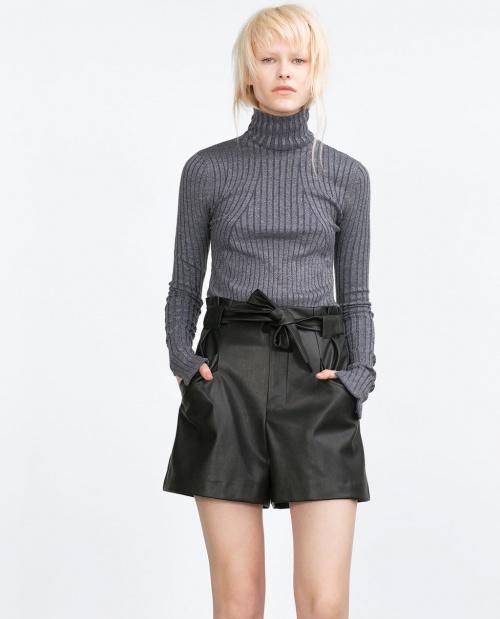 Zara - Short simili cuir noir